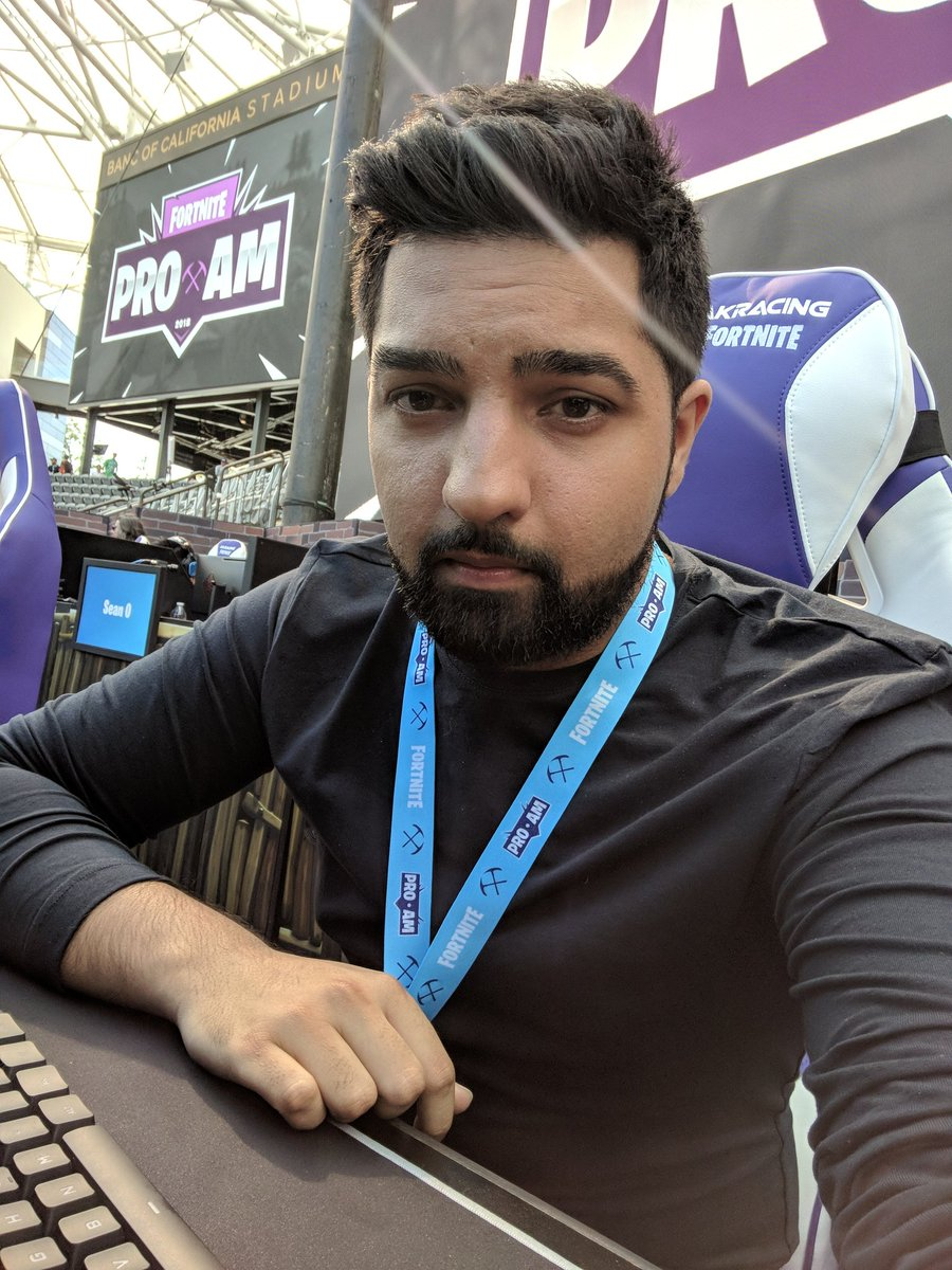 Lirik On Twitter Face Of A Dude About To Lose