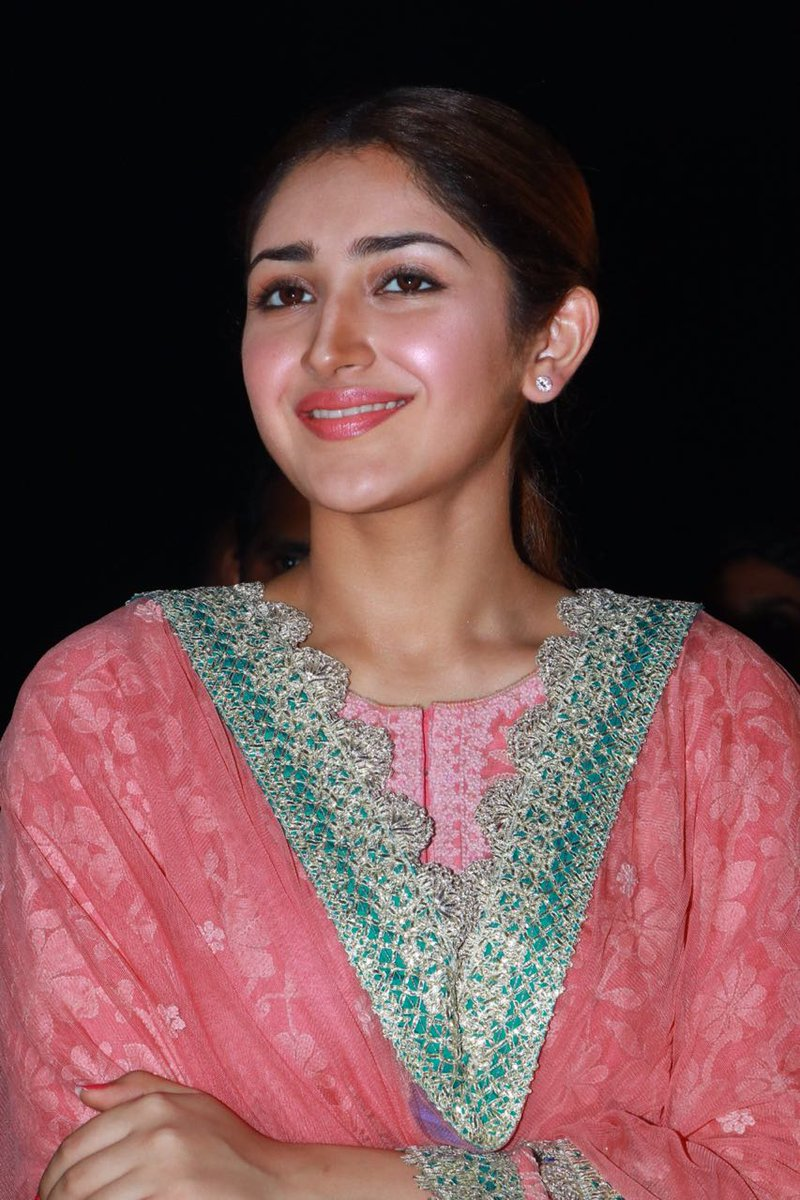 Sayyesshaa fails with her recent releases