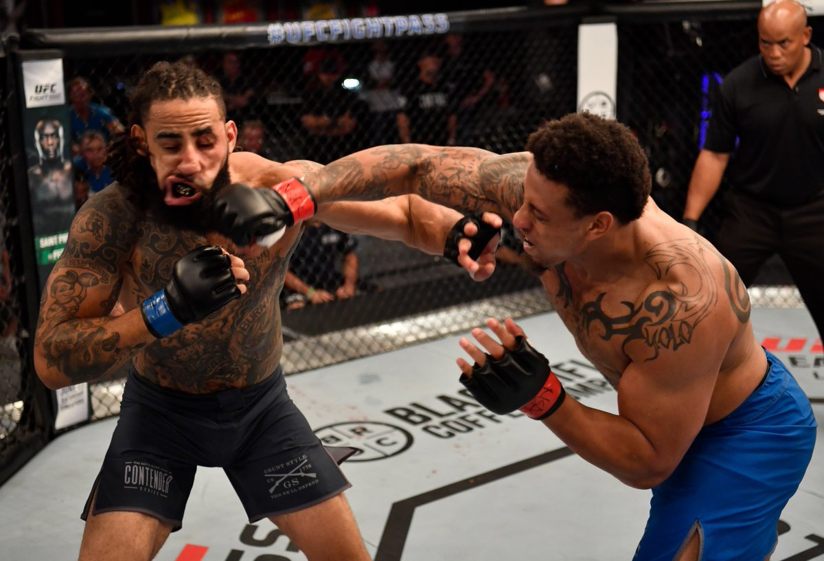 Ex-NFL DE Greg Hardy earns first professional victory in UFC by KO in 57 seconds <br>http://pic.twitter.com/VGXaDshYeb