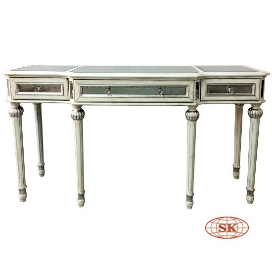 Style Mirrored Console Table Will Add A Sense Of Light And E To Any Room Frenchstyle Mirroredtable Consoletable Sofatable Livingroom