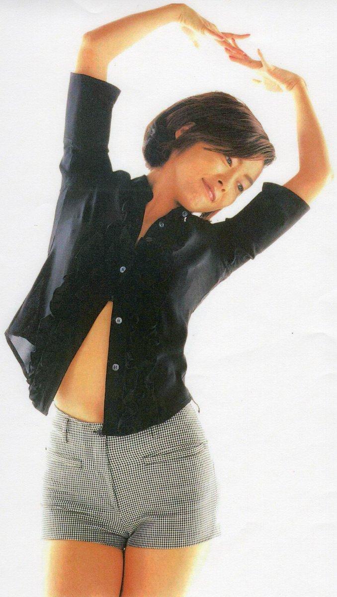 夏というには、まだ・・ふと季節と美穂ちゃんを思う。夏も美穂ちゃんには似合いそう。 #中山美穂 #MihoNakayama #91年 #92年 #96年