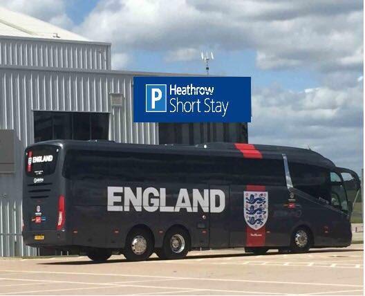 Peter Schmeichel photo England bus Mundial 2018