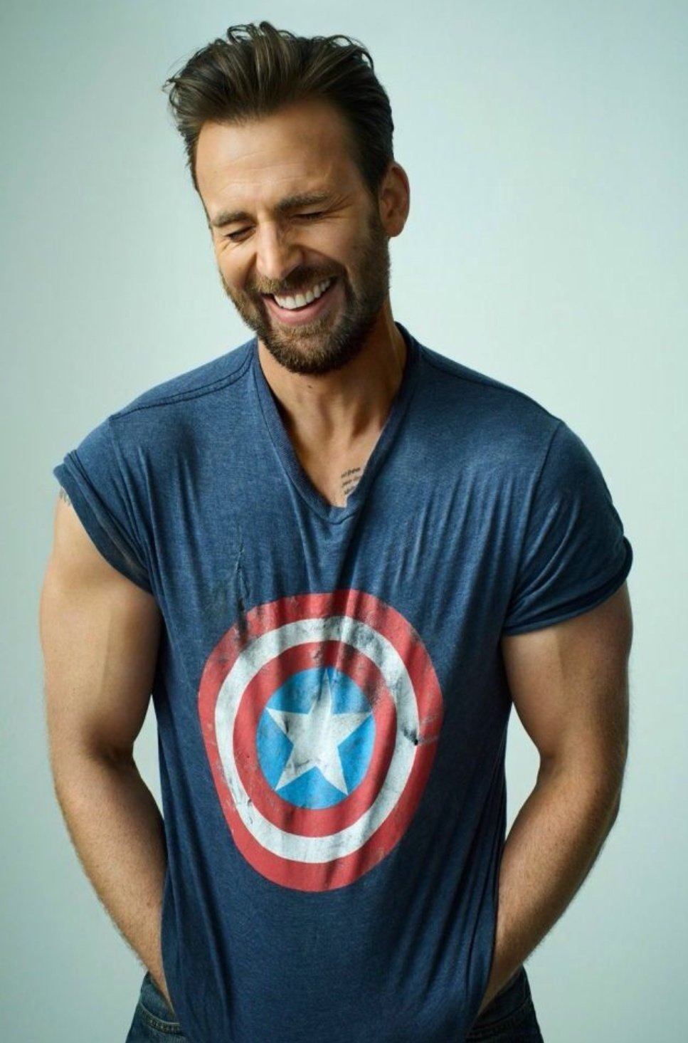 HAPPY BIRTHDAY TO THE ONE AND ONLY CHRIS EVANS