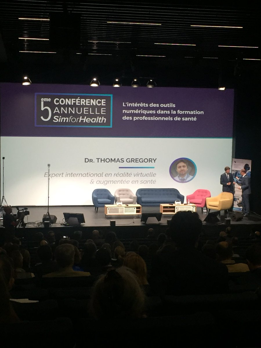 #SFHConf2018 #digitalhealth applications explained by Dr Thomas Gregory: #telemedicine #genomics with #bigdata from #connectedobjects #augmentedpatient #vr #simulation for #surgeons @thomasgregory <br>http://pic.twitter.com/oOzEz0nZme