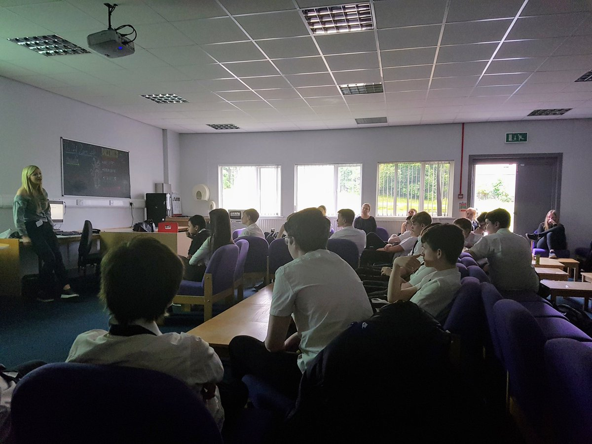 It was great to have a former pupil - Iona Murray- in to talk to our S3 Computing and @BABusEd pupils about careers in technology. Iona has been an apprentice for @Microsoft and now works for a new local tech company @wallet_services #careersintech #gendergap #womenintech<br>http://pic.twitter.com/fdjYn7MorS