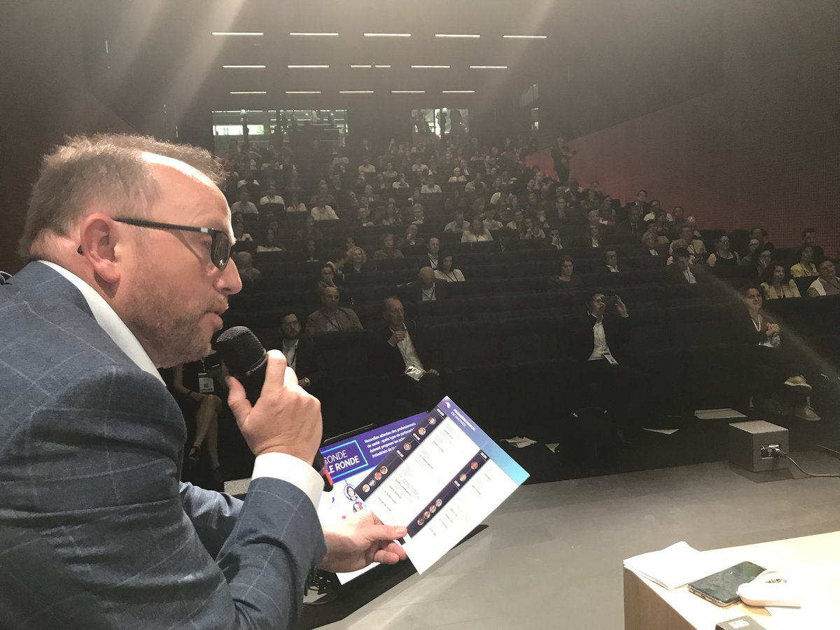 #SFHConf2018 the stage view @joinstationf @SimforHealth<br>http://pic.twitter.com/CTKS3morJn