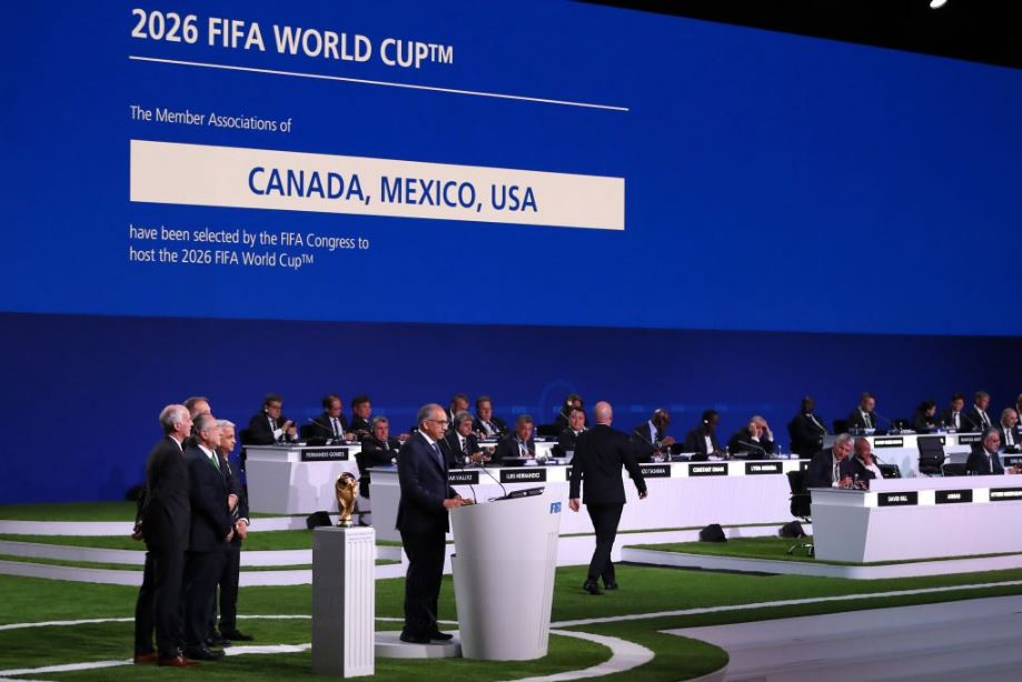 Dfk9sF7VQAAk3Bm - Three North American Nations' Jointly To Host FIFA World Cup 2026, Will It Hamper The Confederational Seedings?  Canada, USA and Mexico's joint bid has won