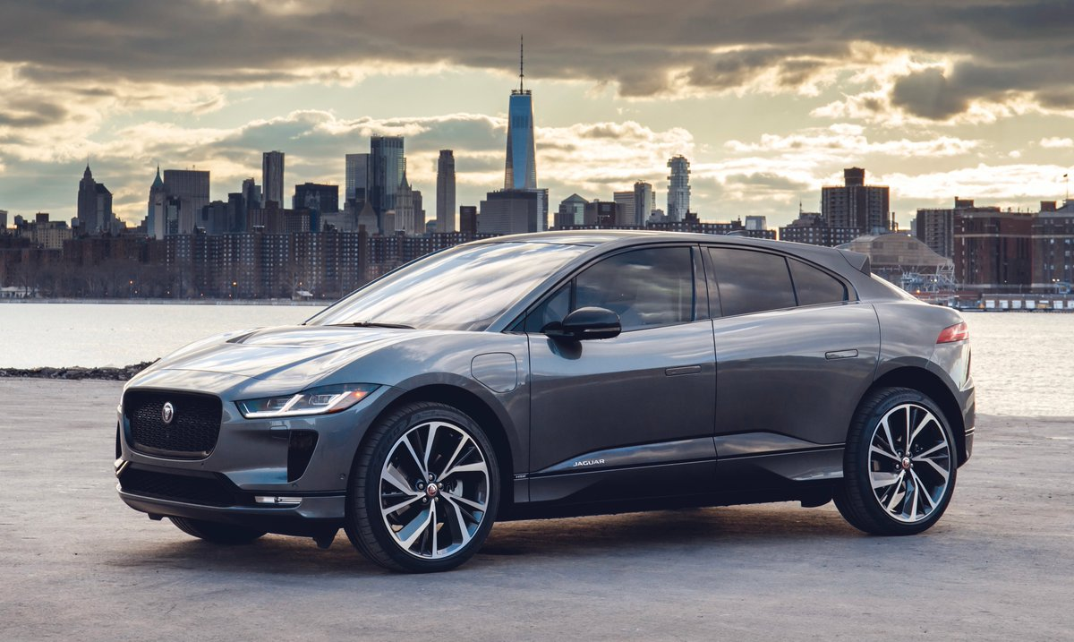 Thrilling #Jaguar power and dynamics with zero tailpipe emissions – everything you would expect from an all-electric performance SUV. #IPACE lets you go further: ow.ly/5n7O30ktuL4