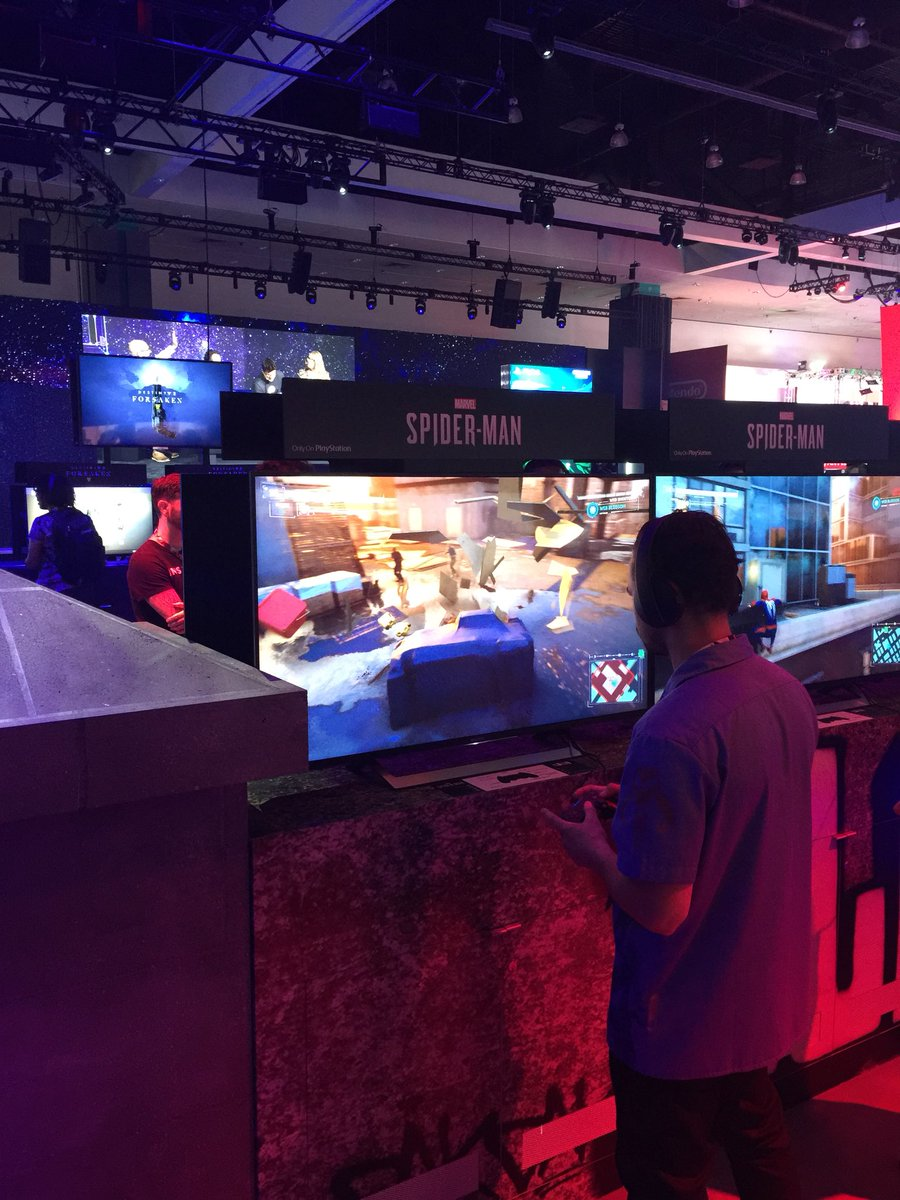 Playing the new #Spiderman game in the @PlayStation booth at @E3 #E30218