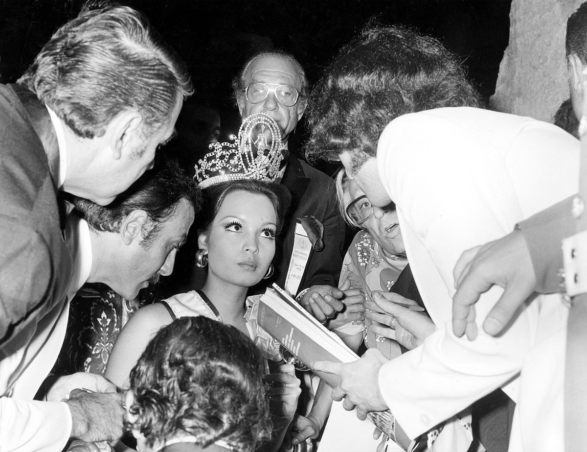 #TimeTravel💫 to 1973 as Margarita Moran from the Philippines is interviewed by the press after being crowned #MissUniverse. 🇵🇭