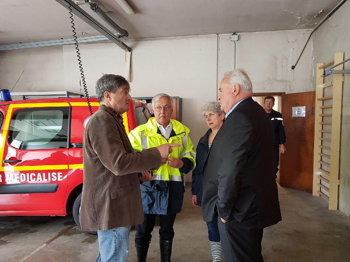 [#VigilanceOrange] #meteo64  en direct de Salies-de-Bearn, le préfet fait un point de situation au centre de secours avec le maire de @MairieS2BEARN et le président du @departement64  - FestivalFocus