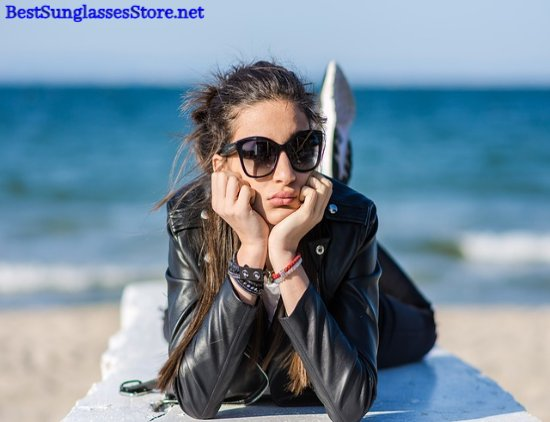 Stylish sunglass fashion on beach selfie :) Get warehouse sales 90% off at https://bestsunglassesstore.net  #rayban #sunglasses #sunglasseslover #cateyeglasses #eyewearfashion #eyeglasses #selfietime #selfie