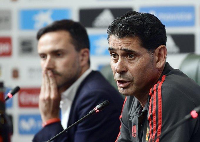 رئيس الاتحاد الإسباني لويس روبياليس يقدم المدرب الجديد للمنتخب فيرناندوهييرو #المونديال_مع_جول Photo