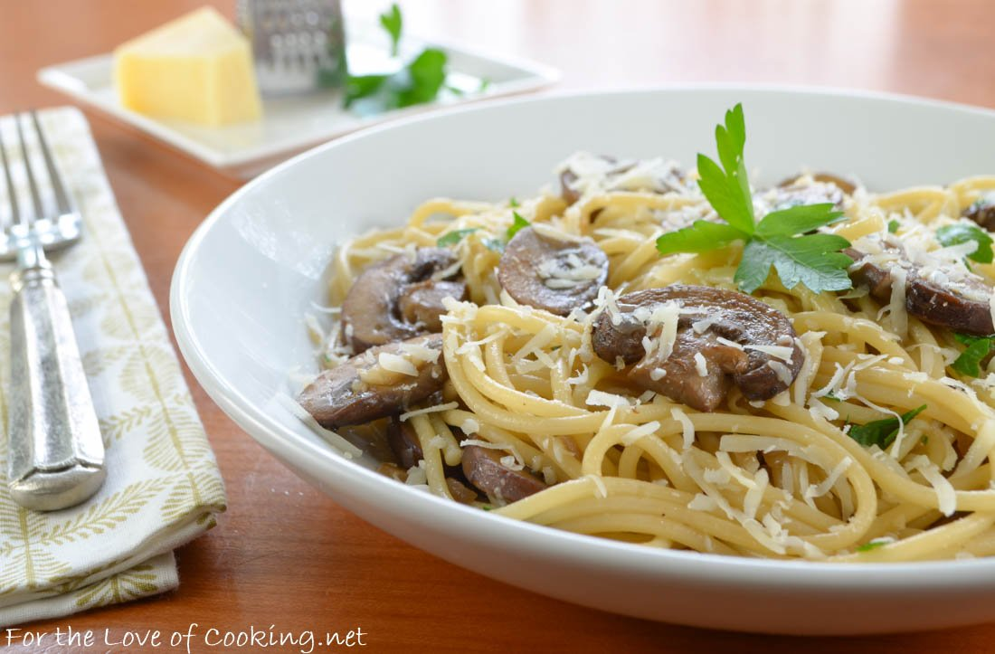 Please RT! #recipes #food Spaghetti with Garlicky Mushrooms and Parmesan https://t.co/DDX0AM0Q4b https://t.co/PKDJwUnpIA