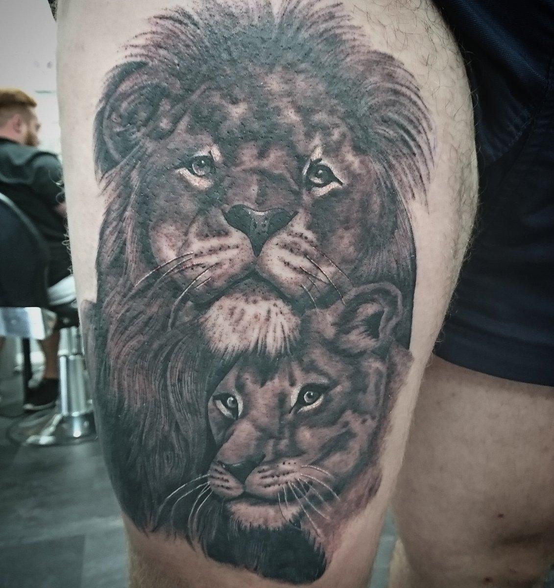 0aac0cefa30f7 #tattooist #tattooartist #liontattoo #blackandgreytattoo #lionesstattoo  #tattooshop #point2point #erith #kent #southlondonpic.twitter.com/HGNva4mOmf