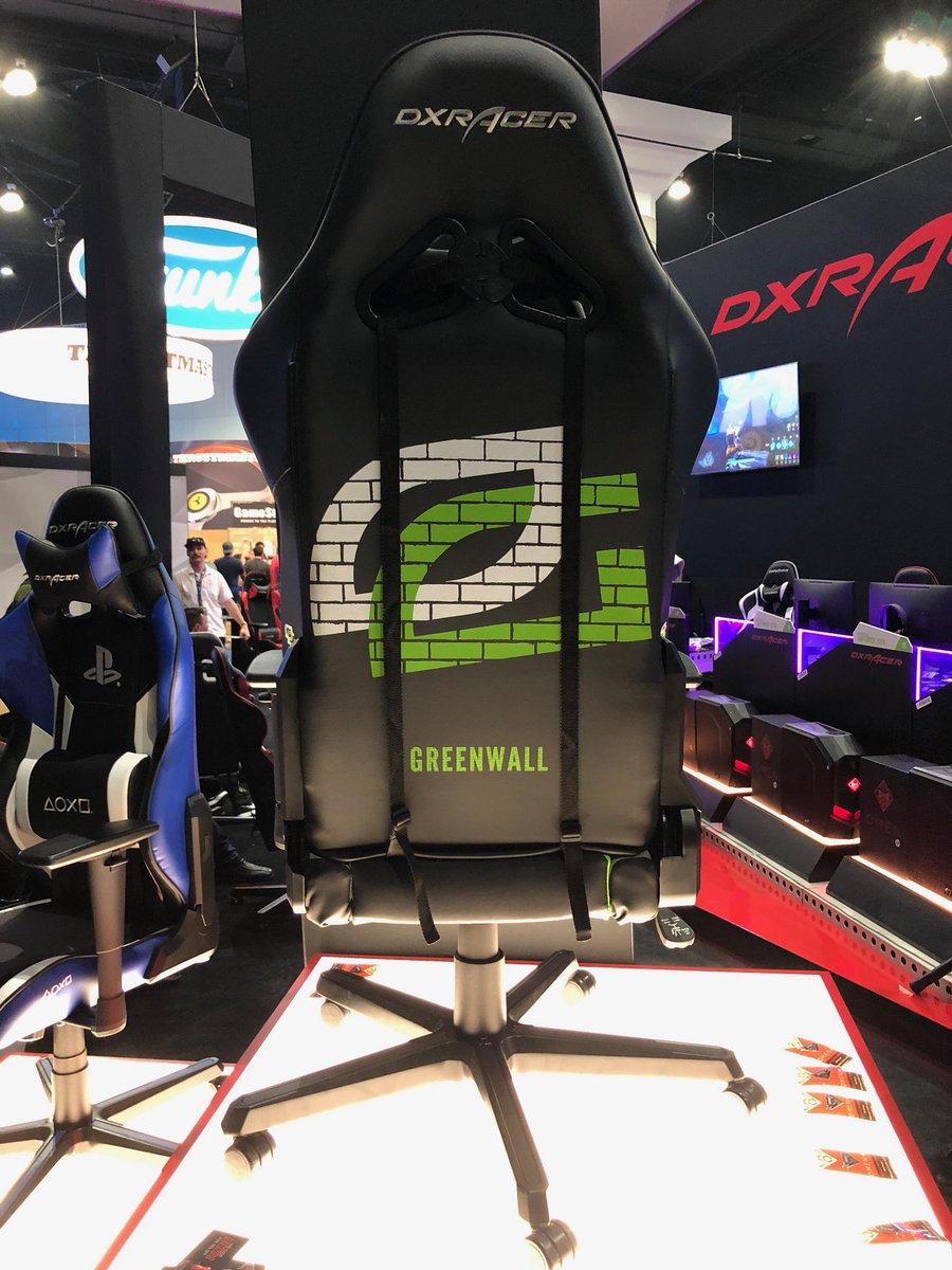 Ladies and gentlemen,   Take your first look at the new OpTic Gaming @DXRacer 👀  #Greenwall