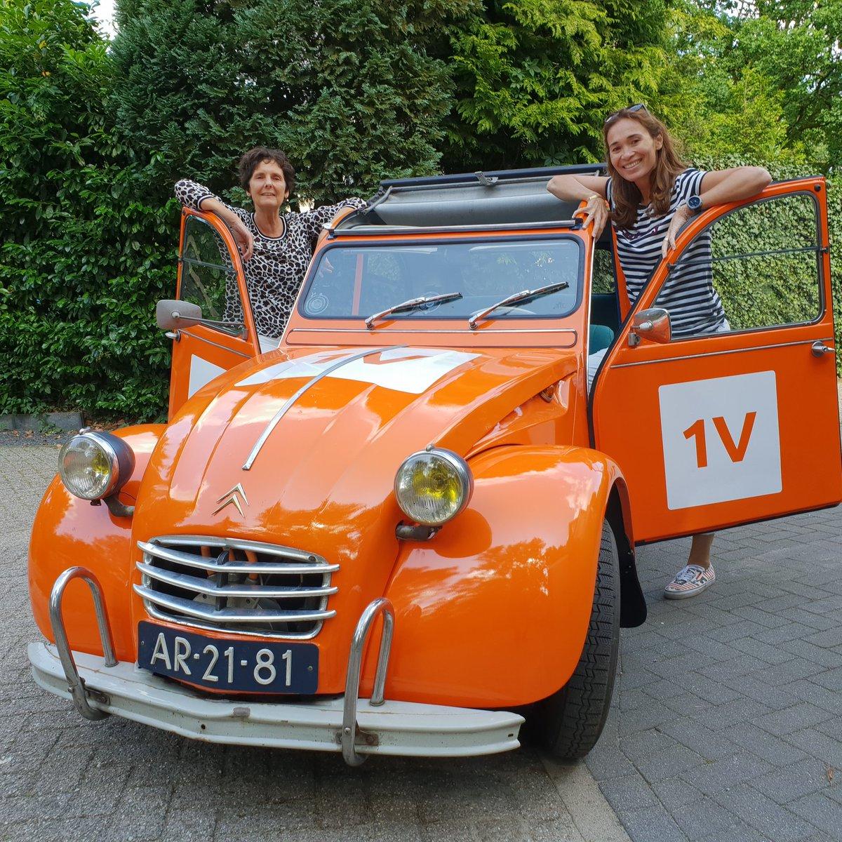 Leuk interview voor #EendVandaag....touren door Loosdrecht in een oude electische eend!!🦆🦆🦆 #Loosdrechtseplassen #eendvandaag #interview