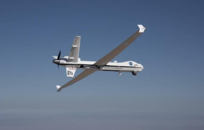 Aeronave não tripulada da NASA já voa sem escolta de segurança: https://t.co/blcrW76bpH