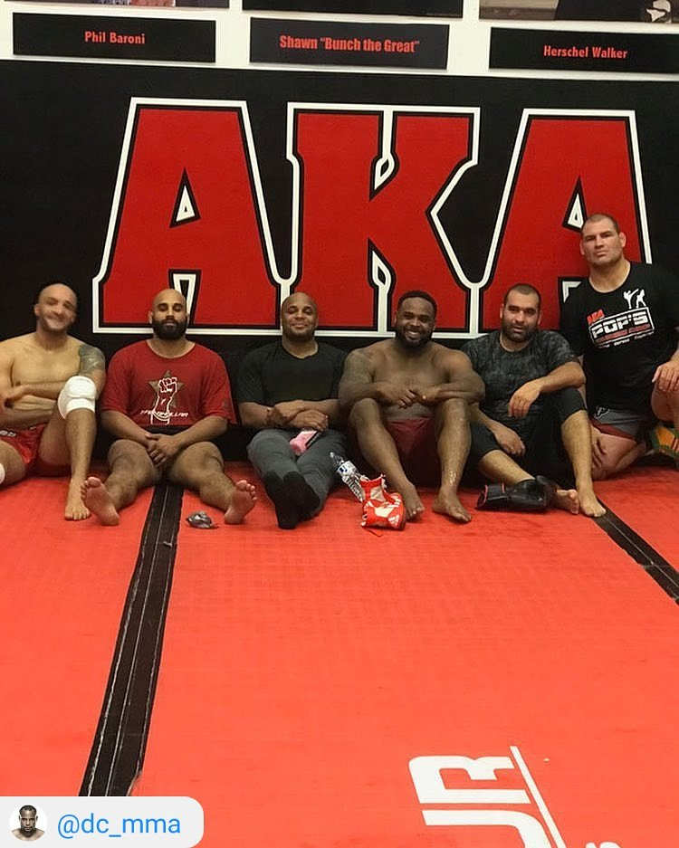 Big boys club! Grinding it out with the best in the world. Fight announcement coming soon 👊👊 #TeamBhullar #OneBillionStrong @dc_mma @cainmma @Blagoiivanov