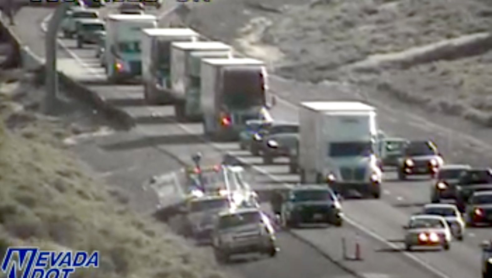 Eastbound I-80 traffic near Robb Drive slowed after a boat came off a trailer. https://t.co/XZdwrlzuRI https://t.co/4tXDUur43g
