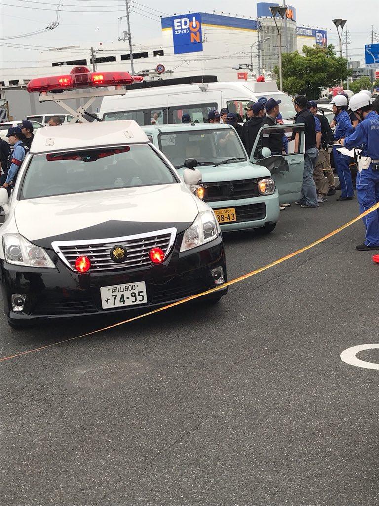 警察官をボンネットに乗せてカーチェイスした事件現場の画像