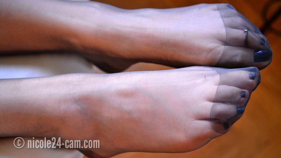 Things, Pantyhose feet toes