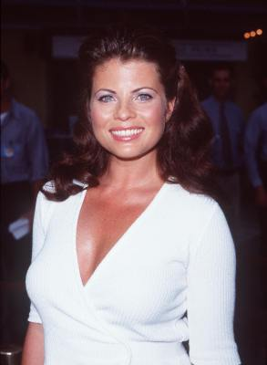 Happy birthday to the beautiful Yasmine Bleeth today!