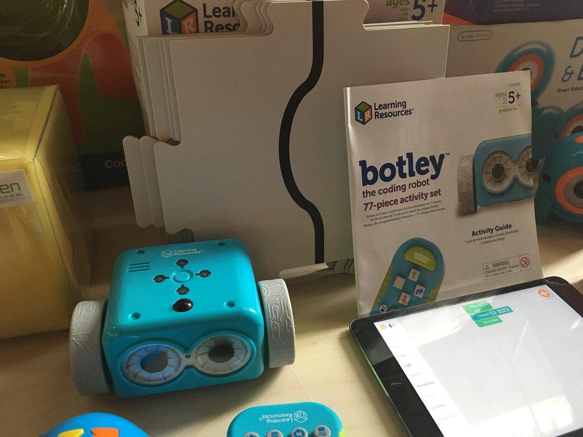 Veel interessants gezien en gehoord bij event #robotica #kunstmatigeintelligentie voor @Lichtenbeek