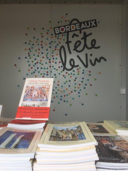 Sur le stand @BordeauxTourism, retrouvez @DDABordeaux. Un éditeur régional, de portée internationale. #BFV2018 >> Photo