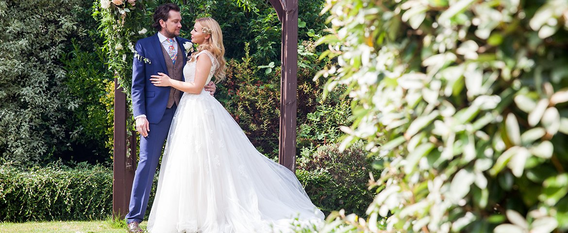 RT @GuildfordTIC Getting married?  Looking for a venue and all the trimmings?  Take a look at our list of Wedding Fairs coming up in the area - and get those dates in your diary https://t.co/WpA6xaL1p3