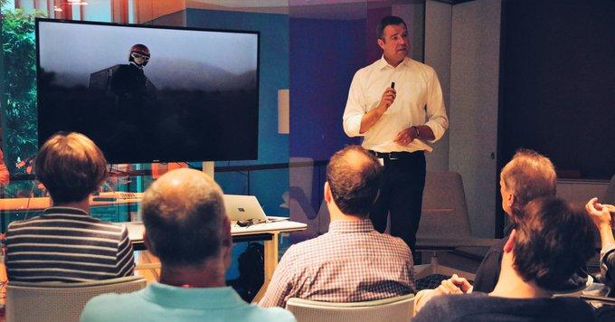 &quot;Workplace Changes revolutionieren nicht nur unsere Arbeitsplätze, sondern die gesamte Kultur unserer Unternehmen.&quot;<br><br>Andreas Lindenstruth beim Thementag #workplace changes der Trilux Akademie in Frankfurt.<br><br>Mehr zum Thema:  t.co/smKPu0vP23