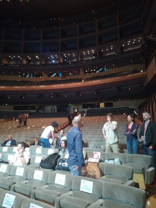 #MutCongrès vu de la fosse la salle est impressionnante 😜😱 Photo