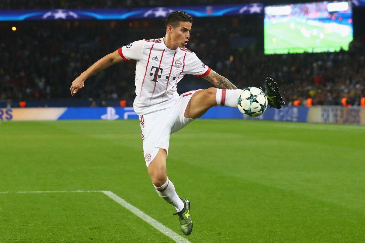 GOLDEN BOOT 👞⚽️  2002 🇧🇷 Ronaldo (8) 2006 🇩🇪 Klose (5) 2010 🇩🇪 Müller (5) 2014 🇨🇴 James (6) 2018 _______________ (  )  #UCL  #WorldCup