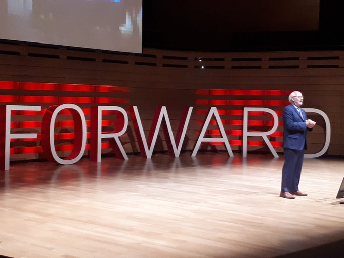 Peter Mansbridge gets a warm welcome at #Fastforward this afternoon. #GoreMutual Photo
