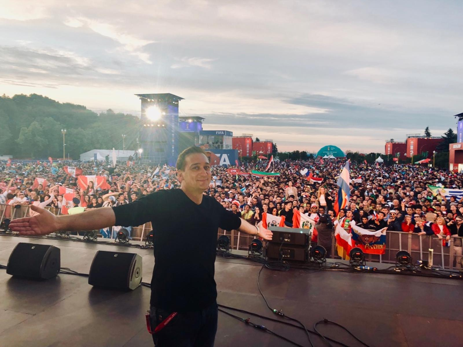Incredible energy at the FIFA Fan Fest in Moscow ⚽️ #WorldCup2018 https://t.co/Wg9yFdJ3mi