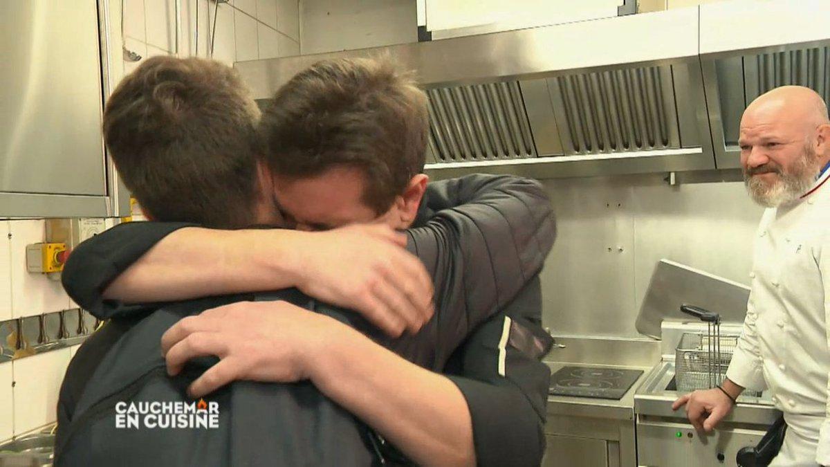 Retrouvailles bouleversantes entre Stéphane et son fils  #CauchemarEnCuisine http://bit.ly/2LS4tBo  - FestivalFocus