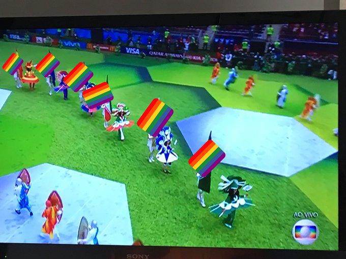 Desfile das bandeiras na abertura da Copa 🏳️🌈 #RainbowCup #WorldCupRussia2018 Foto