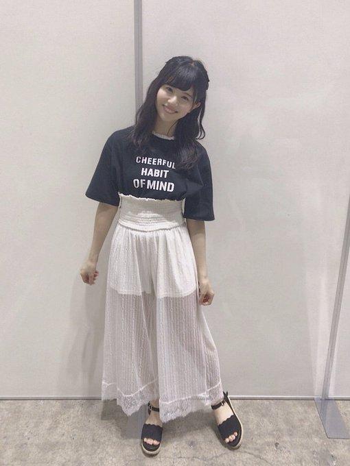 松田好花の私服画像