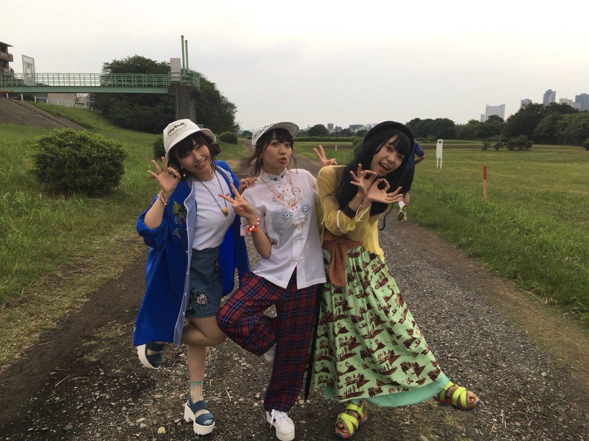 先日アニサマさまのパンフ撮影に ⛵️✨ おきゃわな衣装で3人で大はしゃぎしました!!なんでもかんでもOK!! そんなアニサマさまの撮影っ!!! こい!われの夏!アニサマ〜!!!! 今年もすっごい楽しみだなっ。ドキドキ   #アニサマ