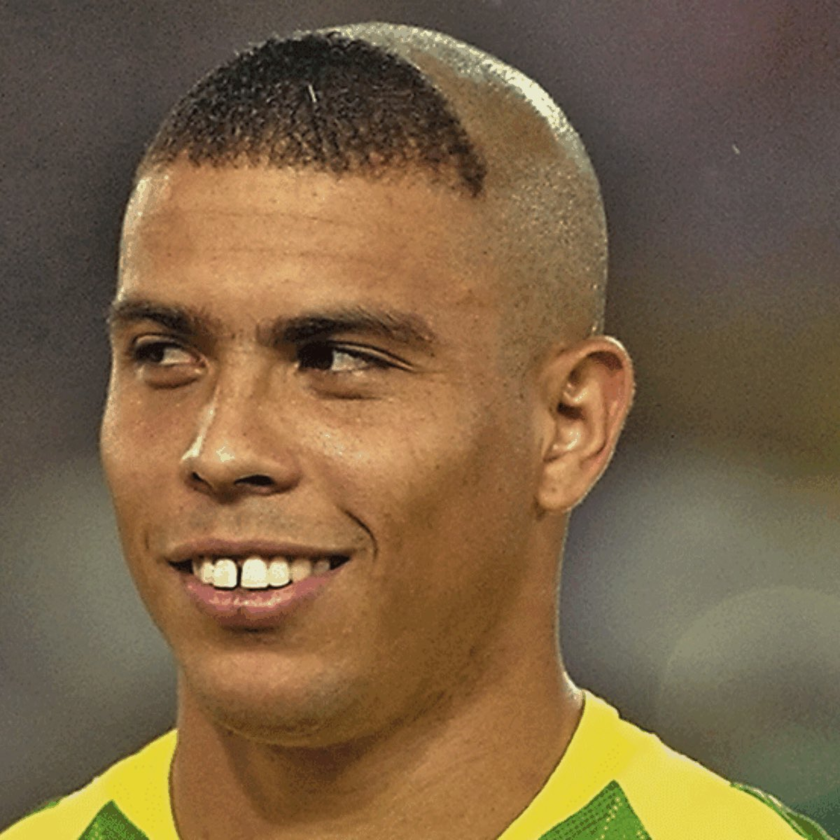 1k likes AND If Brazil win the World Cup and I'll get Ronaldo (Brazil) haircut. If u don't know what it looks like... here ya gopic.twitter.com/NCvLlFfoVf