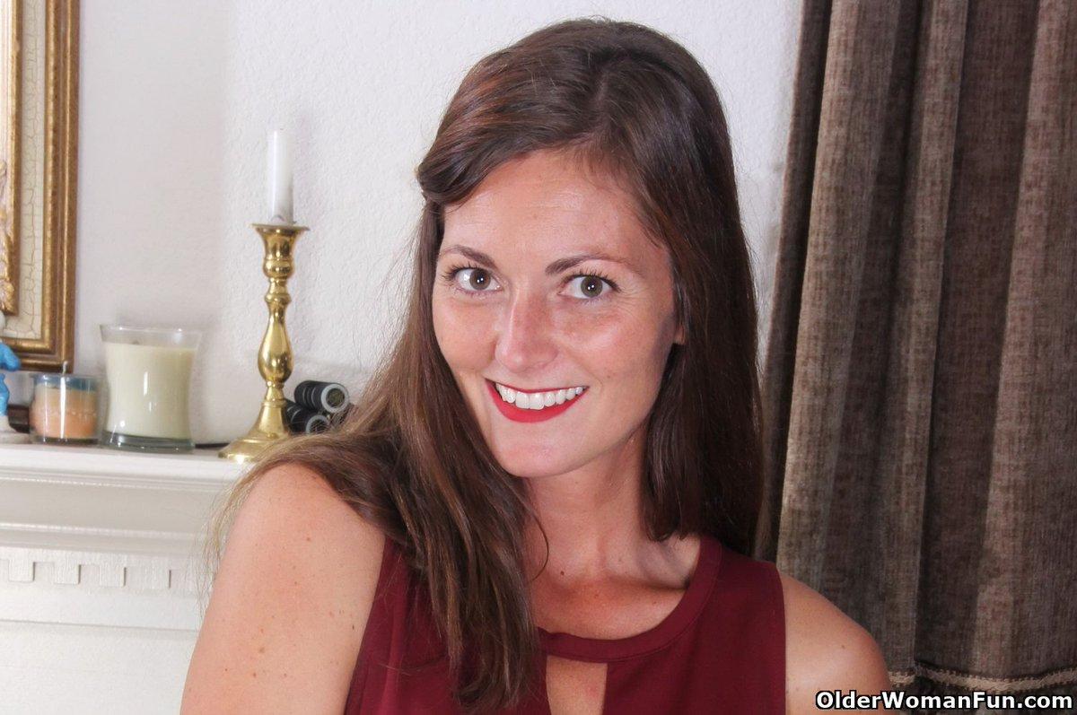 Beautiful women busty big tit porn