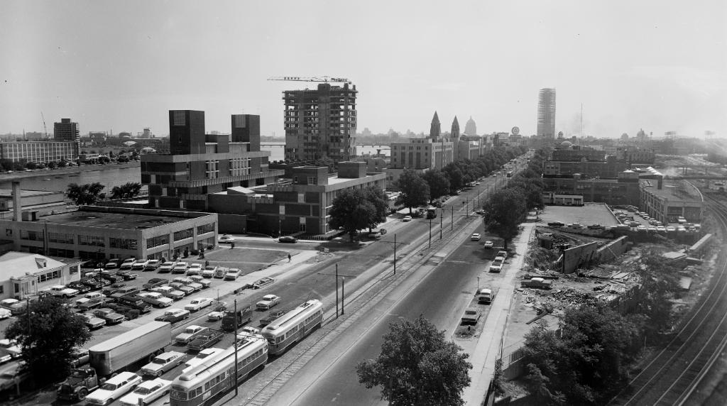 #TBT: In the summer of 1963, construction in #Boston was booming including the Prudential and @BU_Law Tower.