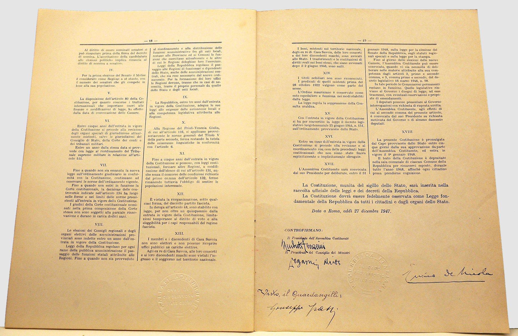 La #Costituzione della #Repubblica Italiana ���� scaricala dal sito del #Quirinale ��https://t.co/IA4te43H3X https://t.co/G2CHS1hrx0