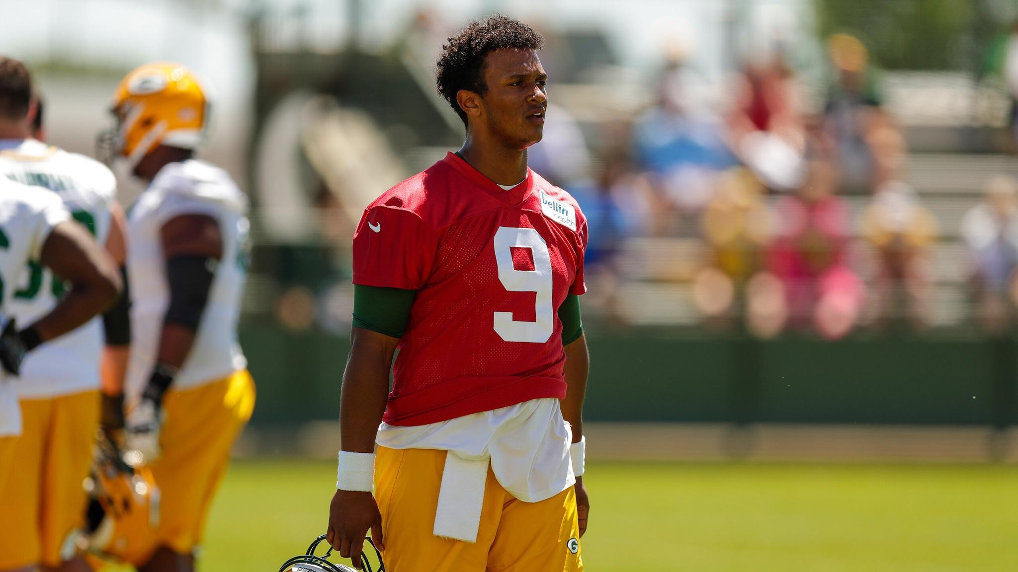 QB @deshonekizer gaining confidence as adjustments continue   ��: https://t.co/cQtgMIlkq4 https://t.co/mkL6dqsTGd