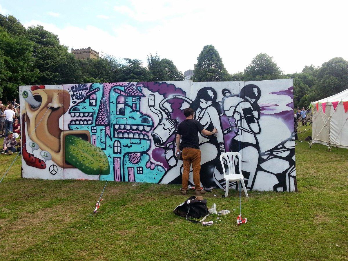 1b5f8b22e5 #throwbackthursday Live graffiti at Peace in the Park 4 years ago. # Sheffield #graffiti #Sheffieldissuper  #peaceintheparkpic.twitter.com/bBiPLERipm