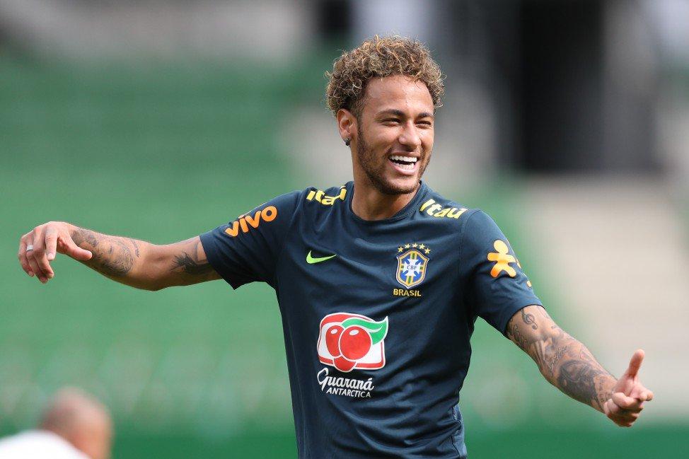Duelo Brasil x Portugal: quem tem mais chances de ser o ARTILHEIRO DA COPA?   RT = Neymar Curtir = Cristiano Ronaldo   #SouSporTVnaCopa