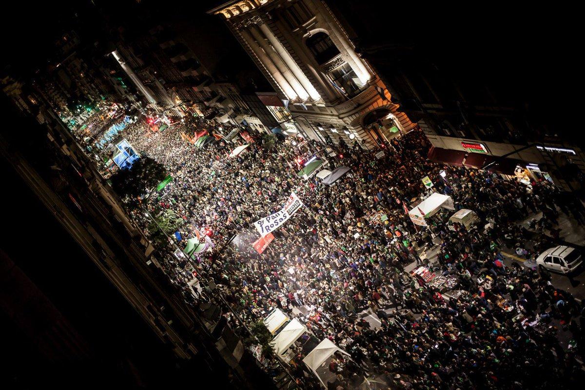 Libres y Combativas 鈾�'s photo on #AbortoLegalYa