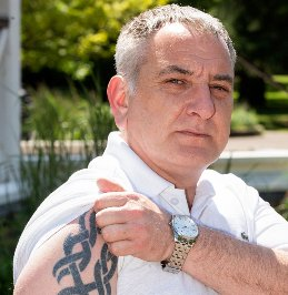 Ex EDL organiser now has a Jo Cox tattoo and campaigns against hate https://t.co/adD8nuhgYq