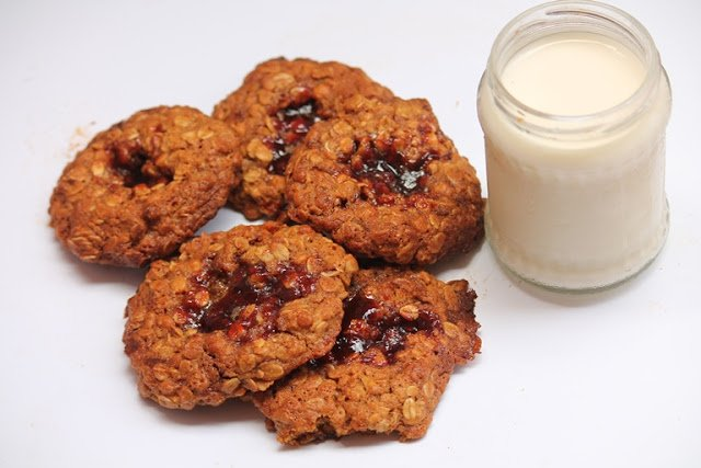 Please RT! #recipes #food Oatmeal Jammys Recipe - Chewy Oatmeal Jam Cookies Recipe https://t.co/3oEXlAouH4 https://t.co/tYxoXj8iOD