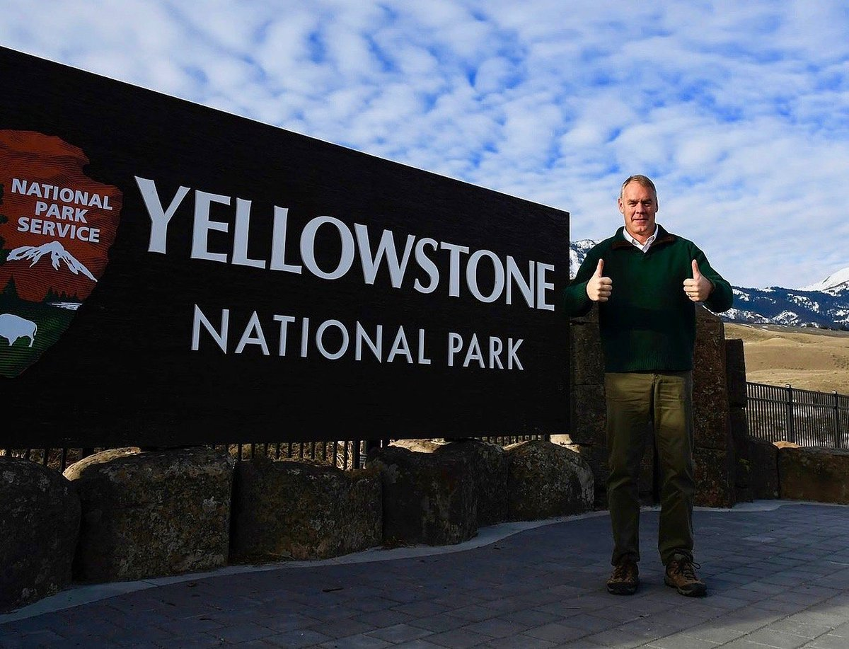 The backstory of Interior Secretary Ryan Zinkes ouster of Yellowstones Dan Wenk is even more intriguing than the original explanation: mountainjournal.org/zinke-fires-he…